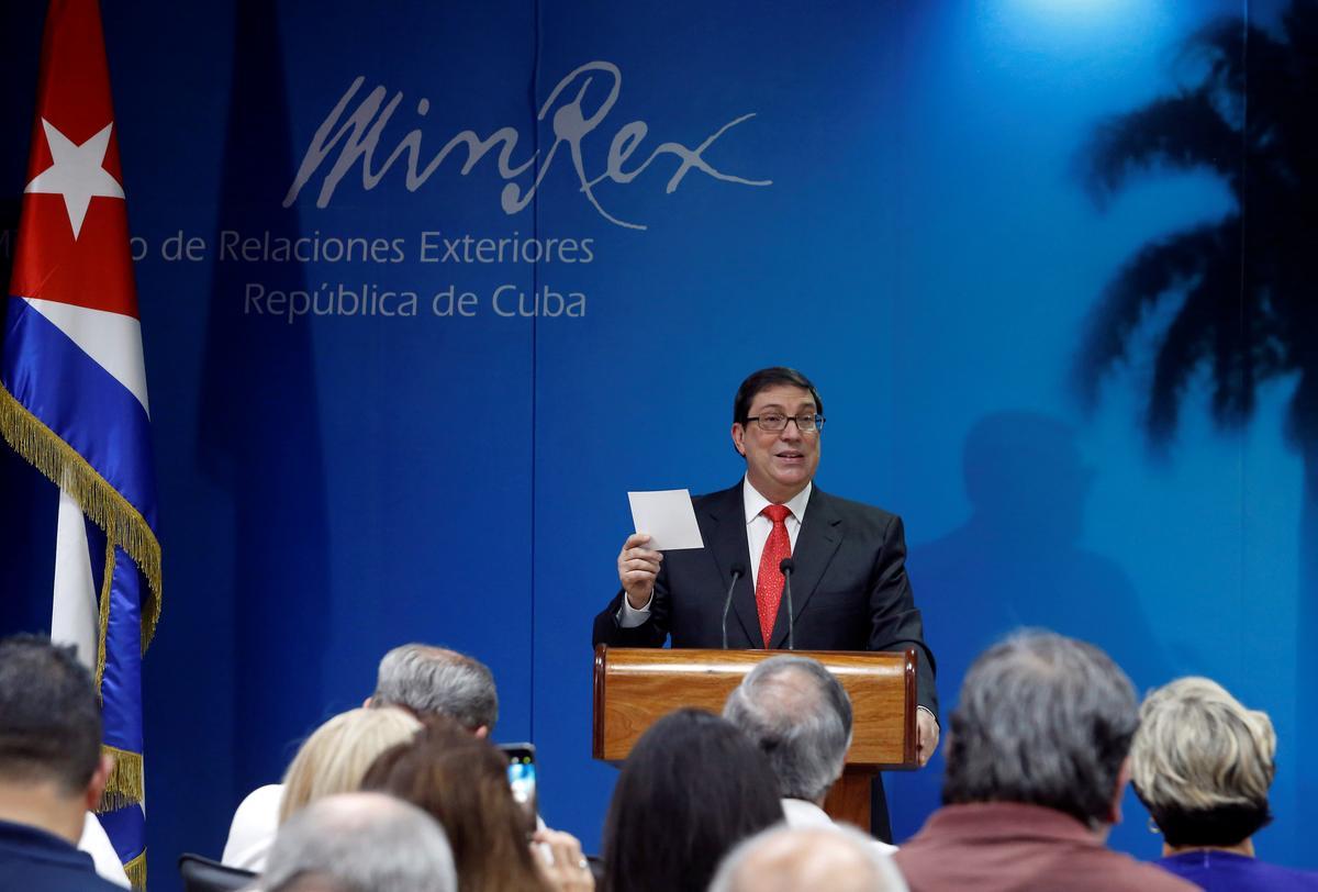 Te midde van verlammende sanksies ontplooi Kuba osse, hout-oonde om brandstofkrisis te oorkom