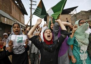 Kashmir remains under lockdown