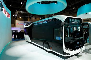 アングル:トヨタの燃料電池車ついえぬ夢、鍵握る東京五輪バス