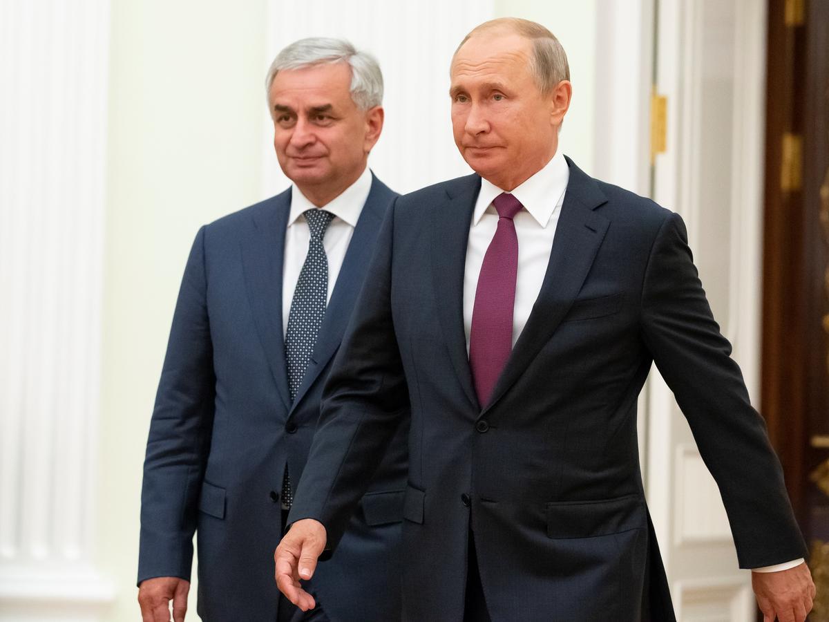 Rusland finansier die modernisering van die leër in die wegbreek van die Georgiese streek: Poetin