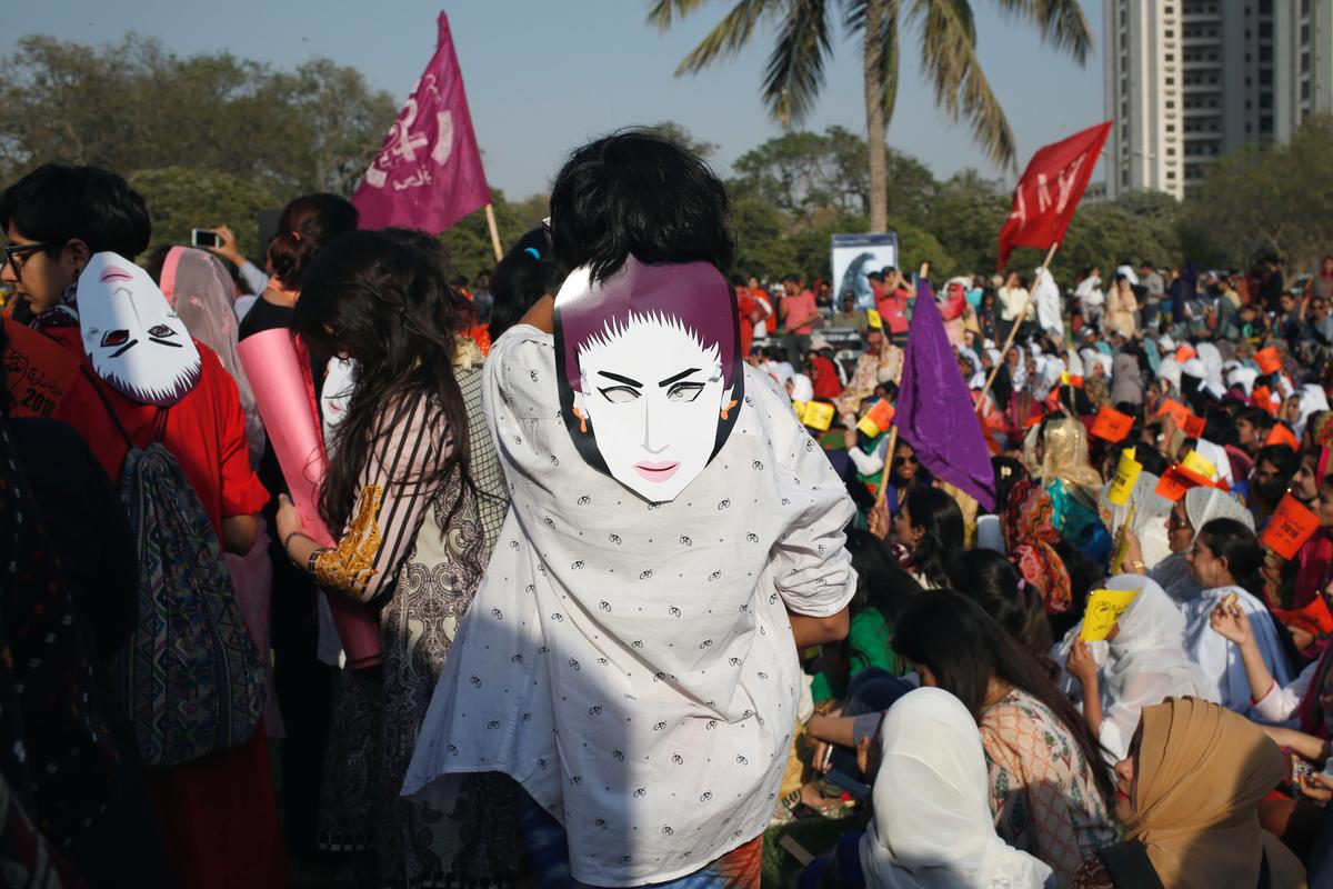 Broer is skuldig bevind aan 'eer-moord' van die Pakistan-media-ster