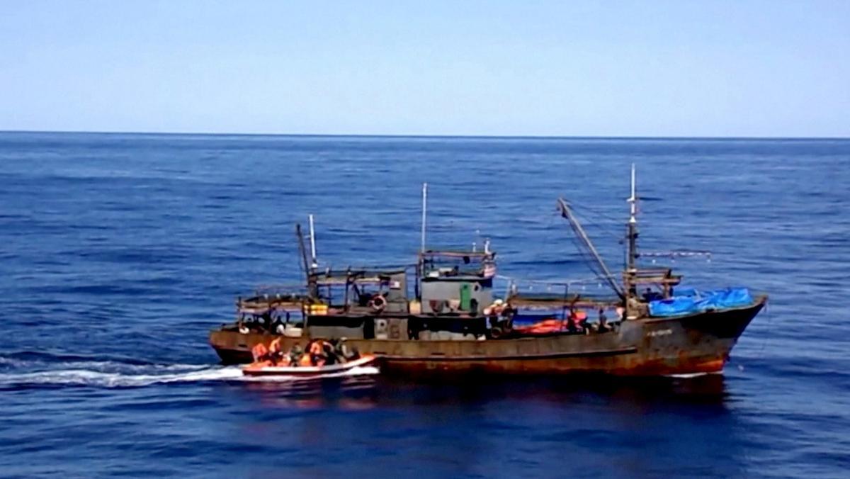 Rusland gryp Noord-Koreaanse vaartuie aan in die staking van stropery
