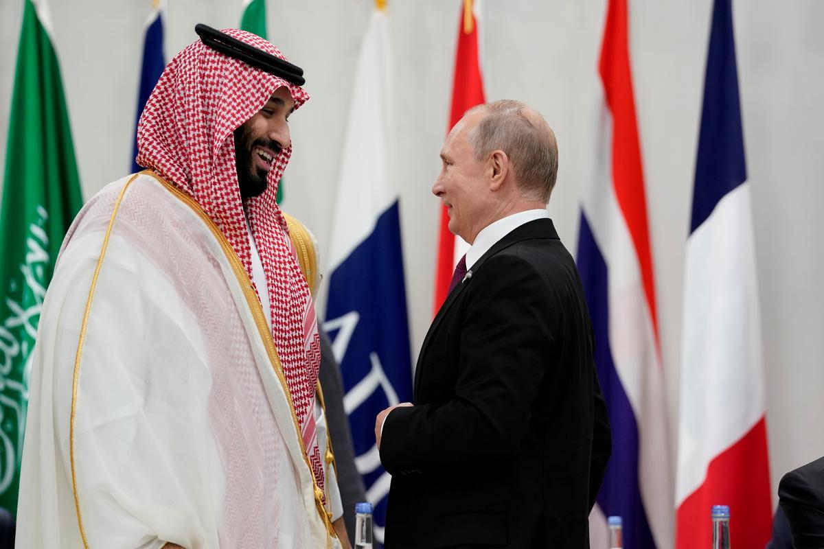 Na Saoedi-aanvalle laat Rusland sy plaaslike teenwoordigheid voel