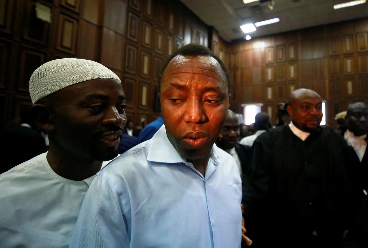 Die Nigeriese aktivis Sowore pleit onskuldig op aanklag van hoogverraad