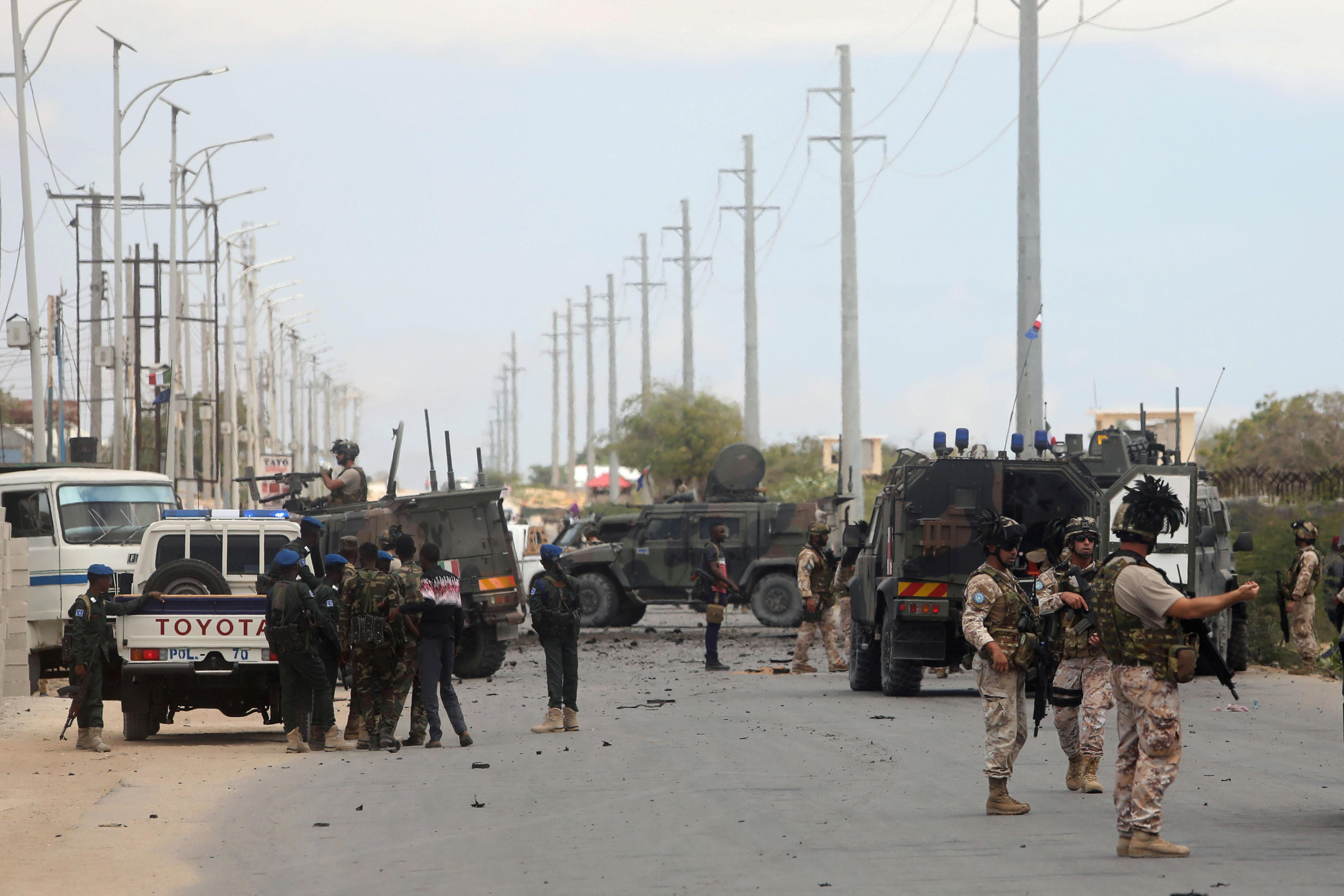 Twin Somali attacks hit U.S. special forces base, Italian convoy