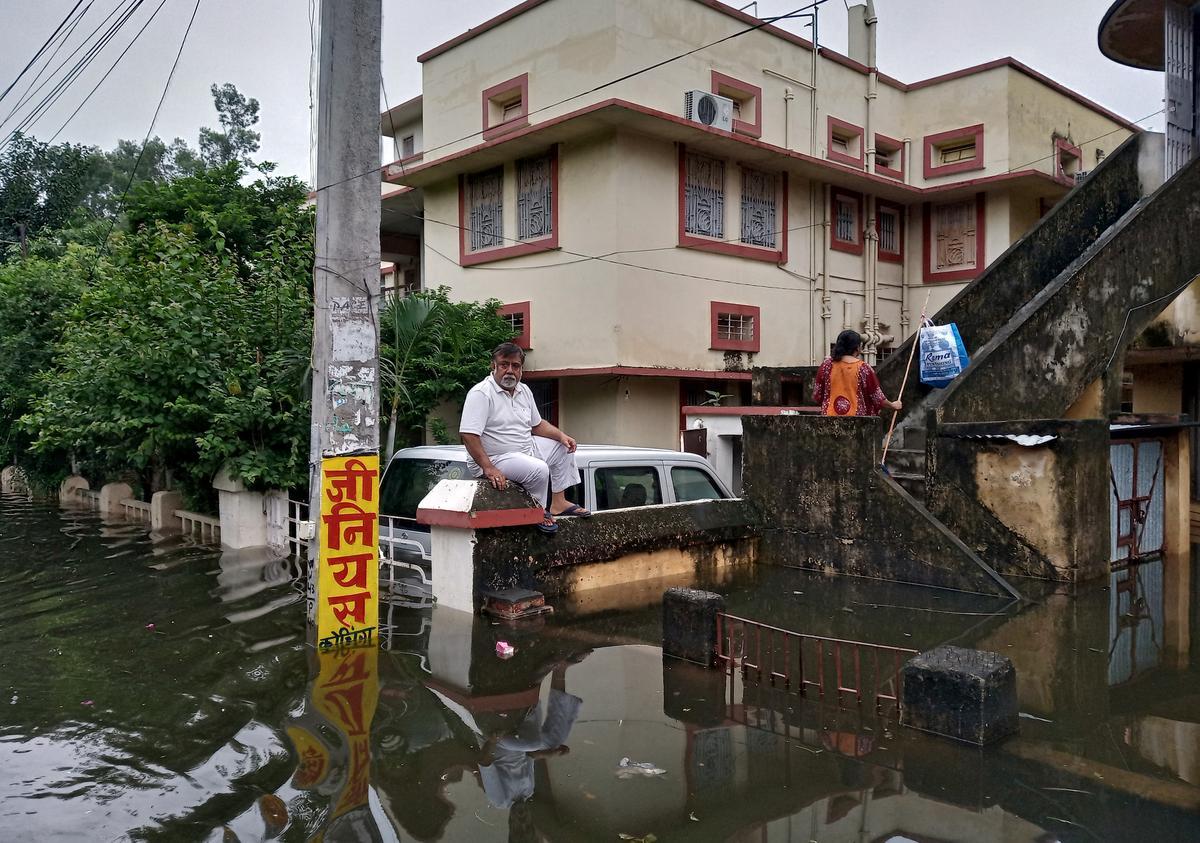 Meer as 1600 sterf in die swaarste moesonseisoen in Indië in 25 jaar