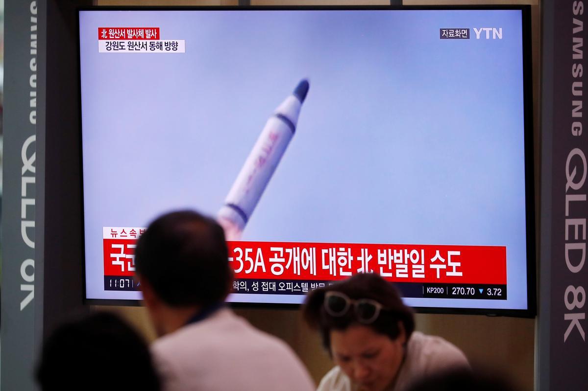 Noord-Korea skiet dae voor samesprekings ballistiese missiel, moontlik uit die duikboot