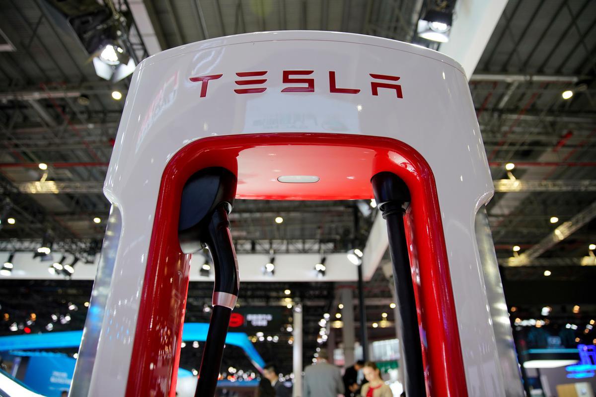 Tesla se produksie van China begin, met die oog op massaproduksie-tydsberekening: bronne