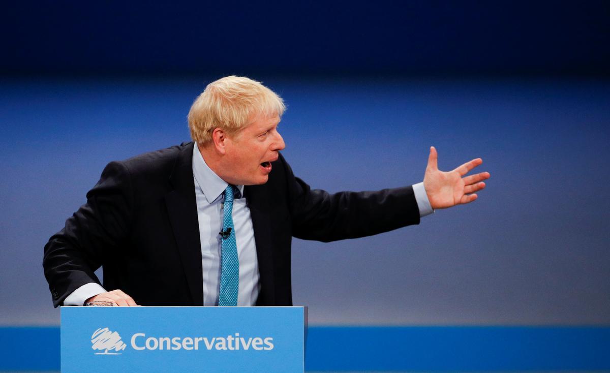Factbox: Watter detail het die Britse premier, Johnson, oor sy grootse Brexit-winskoop gegee?