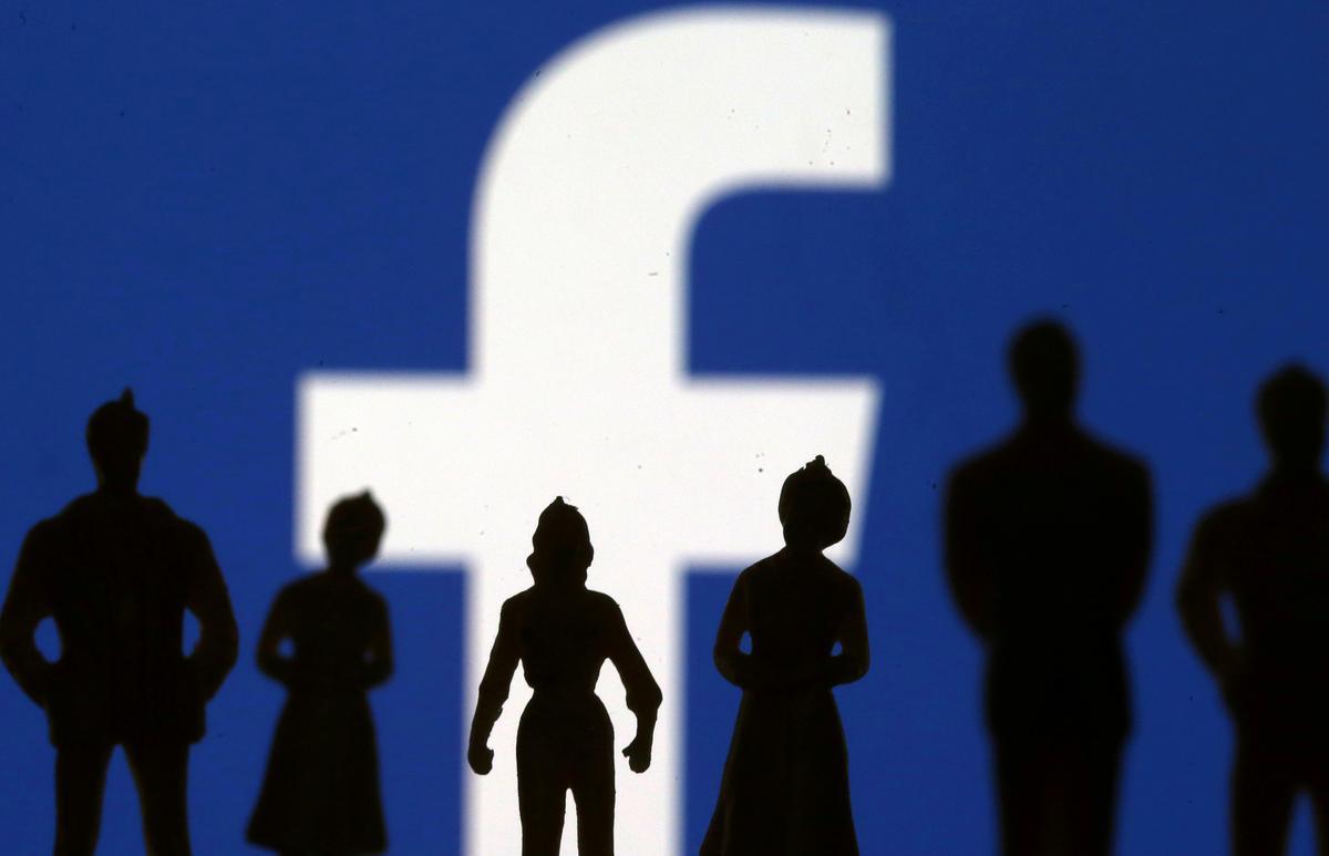 Volgens Facebook is verskeie rekeninge van Indonesië, UAE, Nigerië en Egipte verwyder