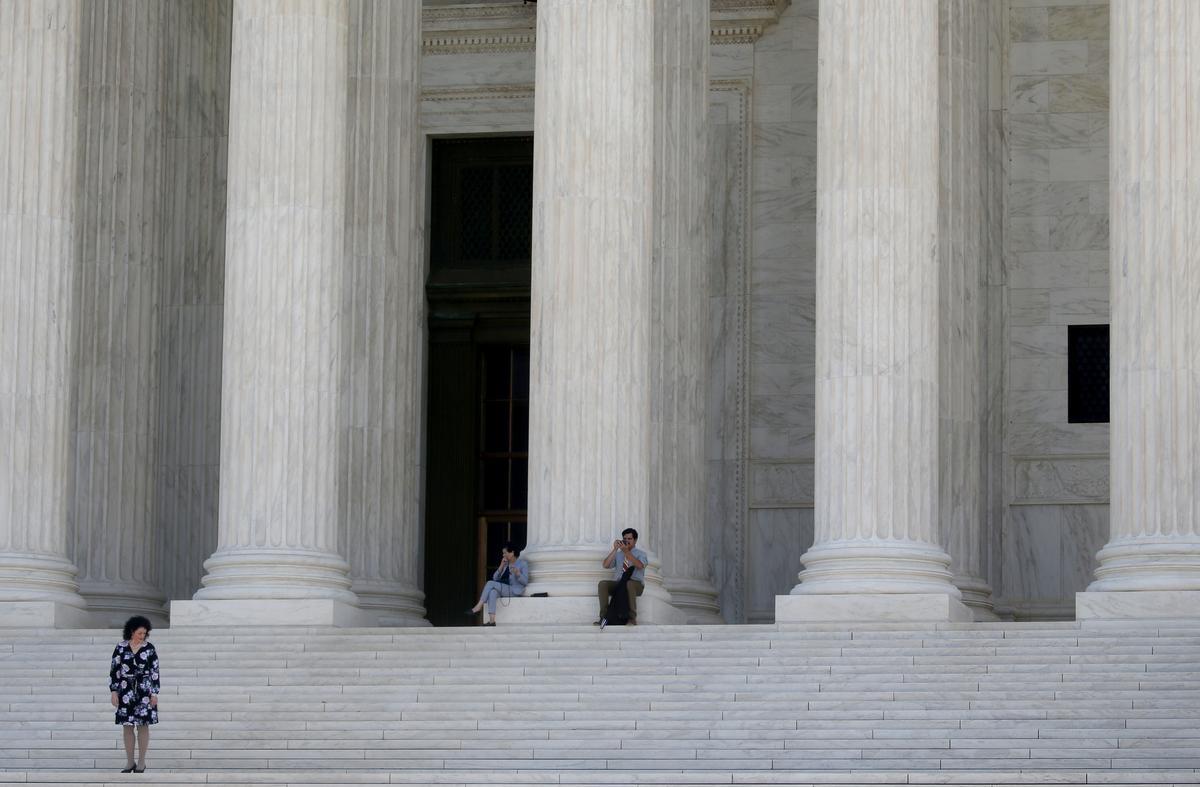 Amerikaanse hooggeregshof moet die verbod op die aanmoediging van onwettige immigrasie opweeg