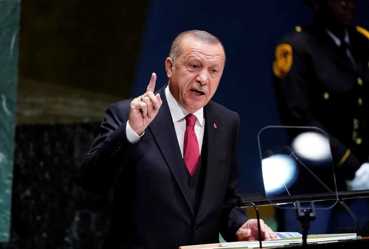 Erdogan sê Turkye beplan militêre operasie oos van die Eufraat in Sirië