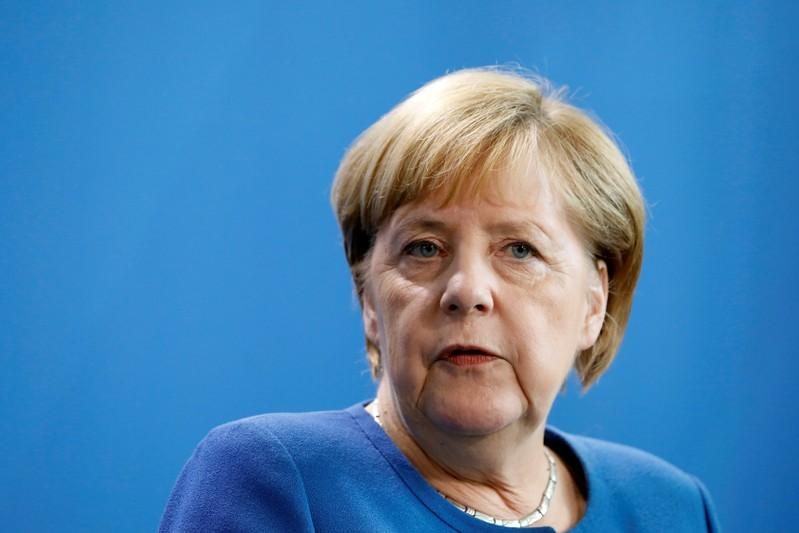 Merkel: Climate package must include CO2 monitoring to pass cabinet