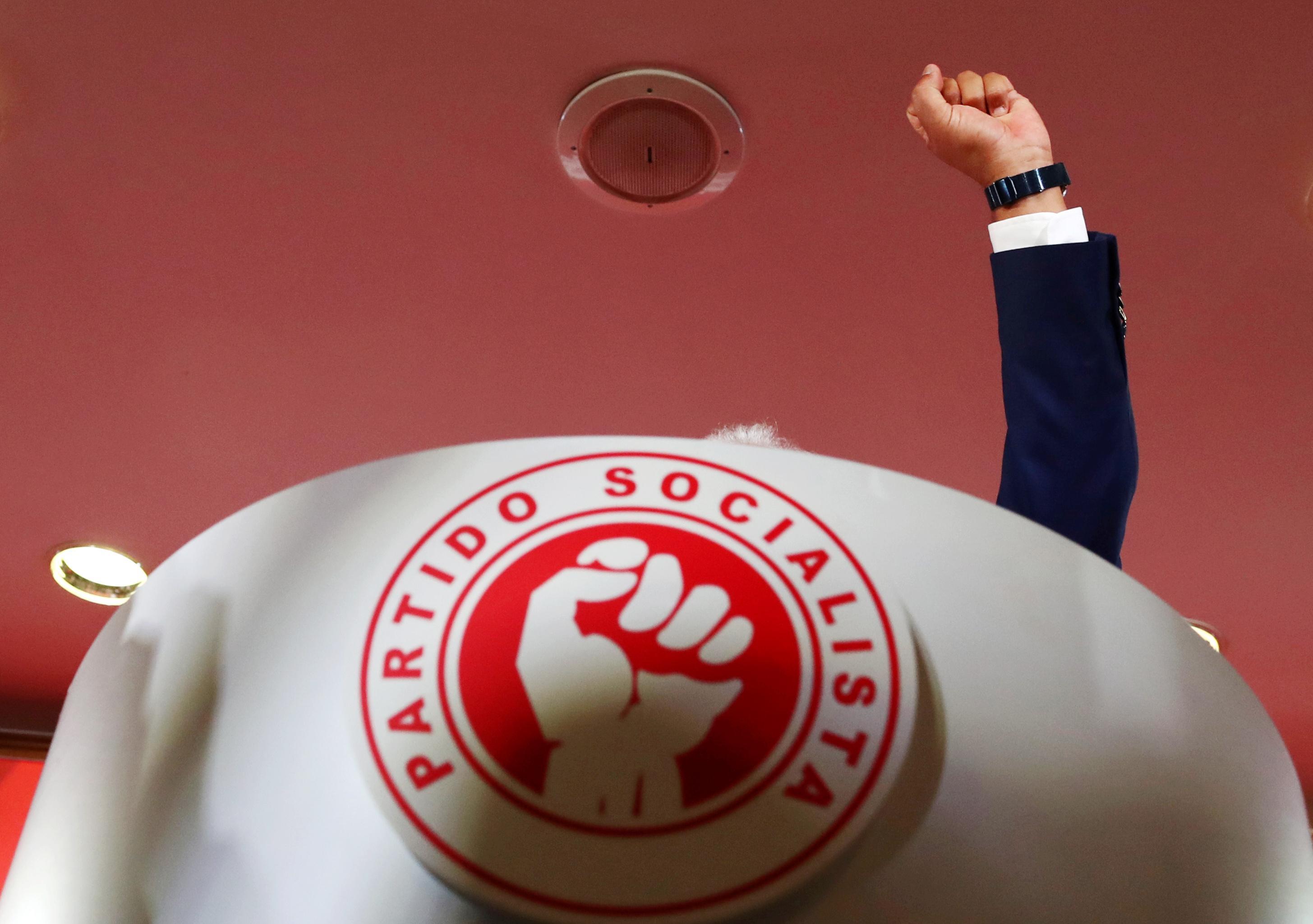 Portugal president seeks swift talks on premier after Socialist win