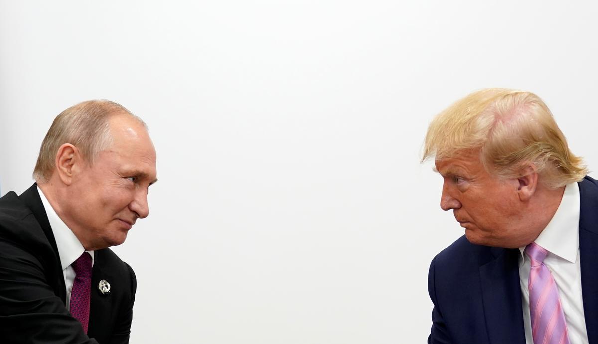 Kremlin bevraagteken die waarheid van die verslag oor Trump-Poetin-oproepe