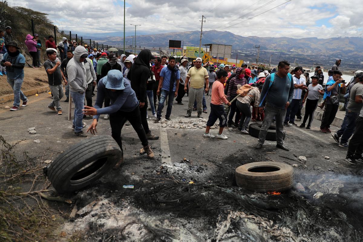 Inheemse betogings het Ecuador 477 mense gearresteer