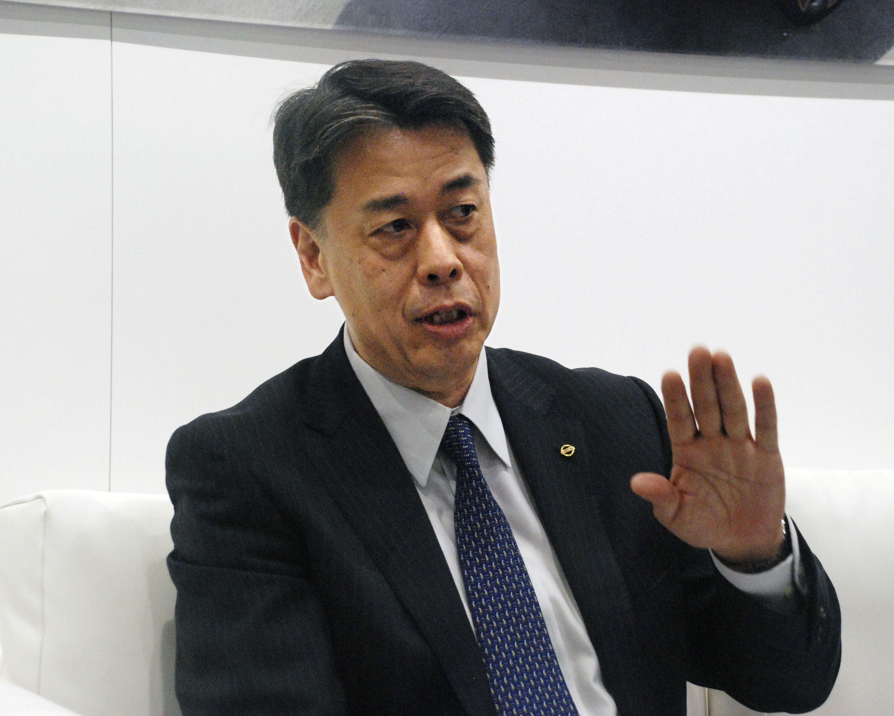 """Nissan confie ses espoirs de relance à un """"étranger avec un visage japonais"""""""