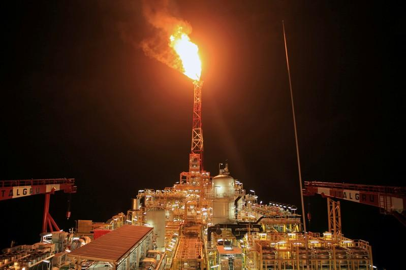 Angola seeks to reduce gas flaring to capture revenue
