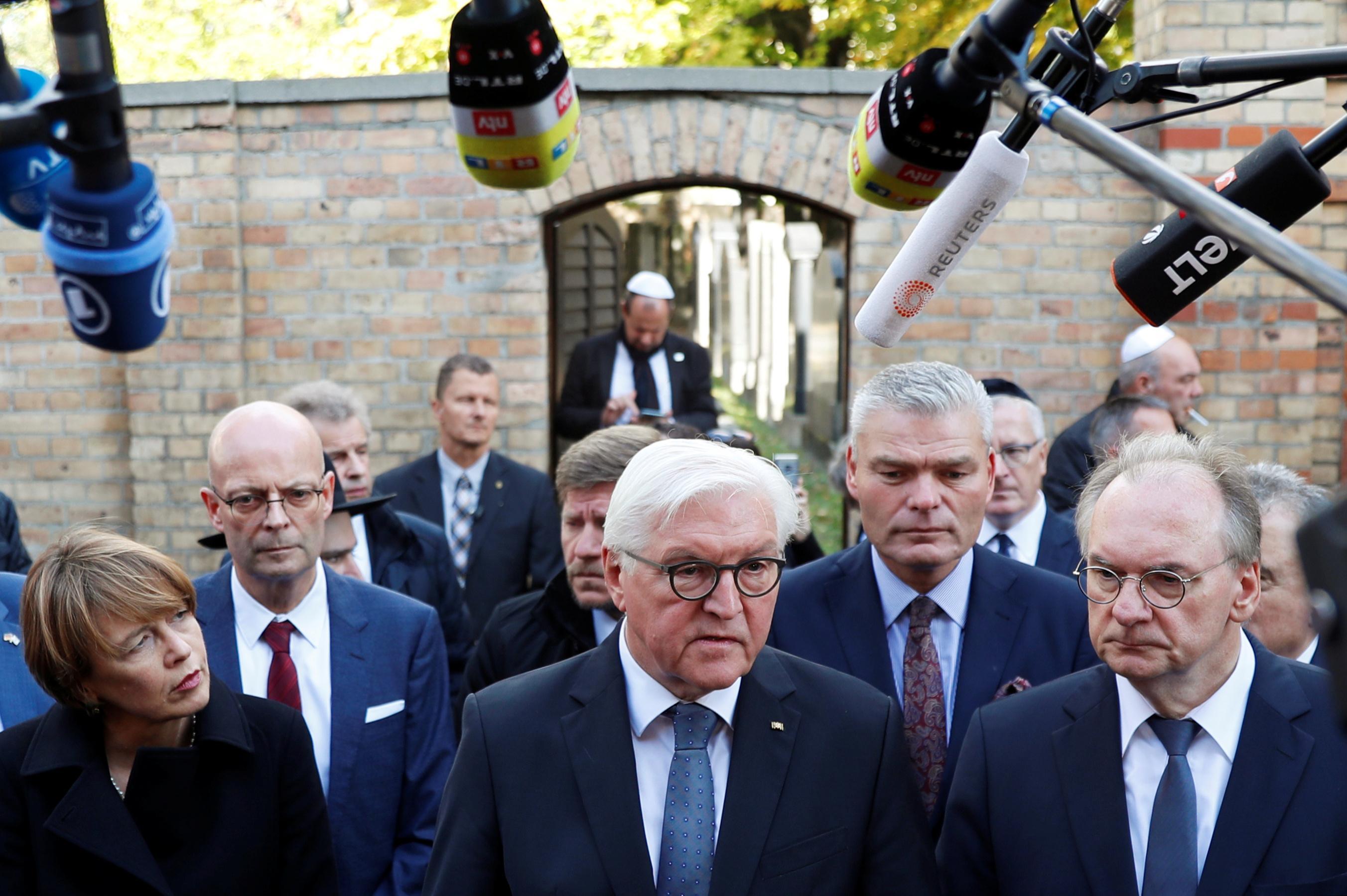 German synagogue gunman aimed to commit massacre, prosecutor says