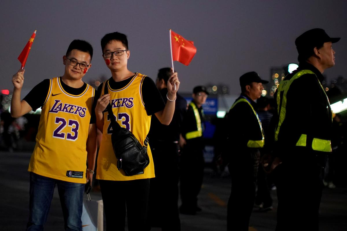 Excited China fans cheer NBA game despite row over Hong Kong tweet