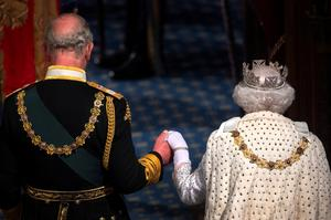Queen Elizabeth opens British Parliament