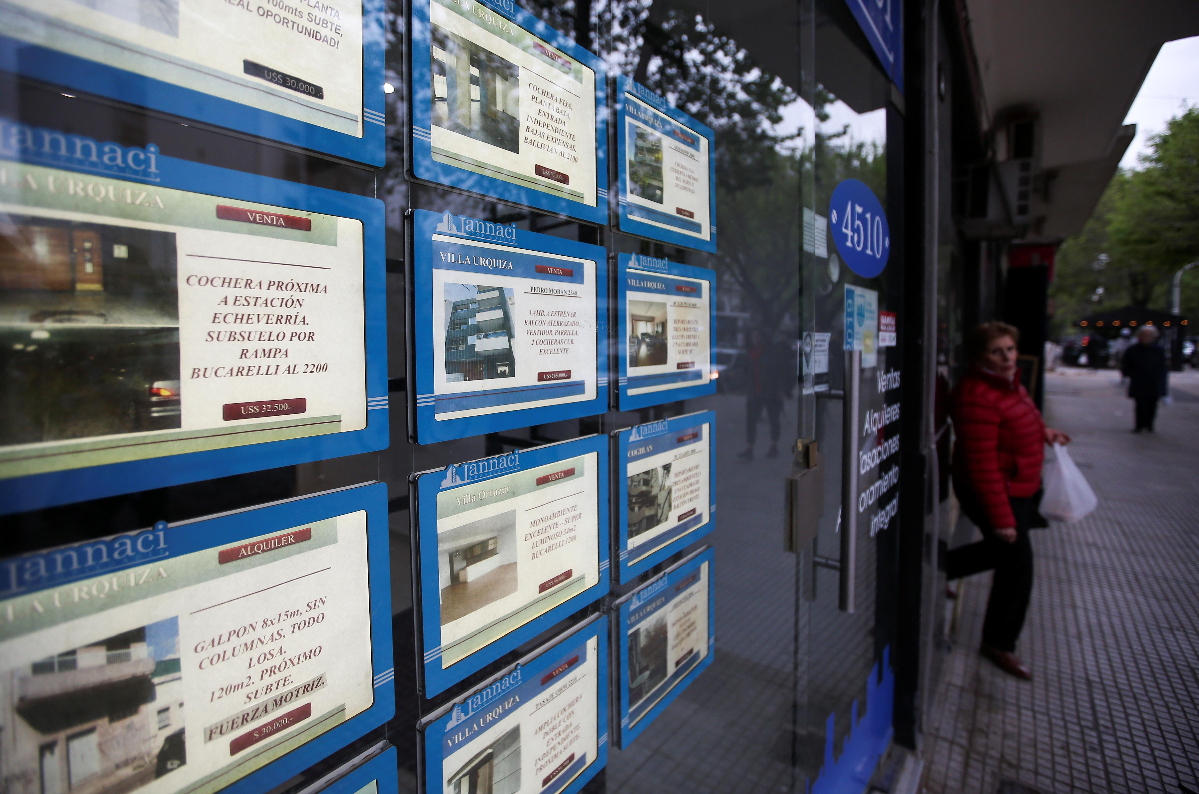 Argentines struggle with housing crisis as presidential vote looms