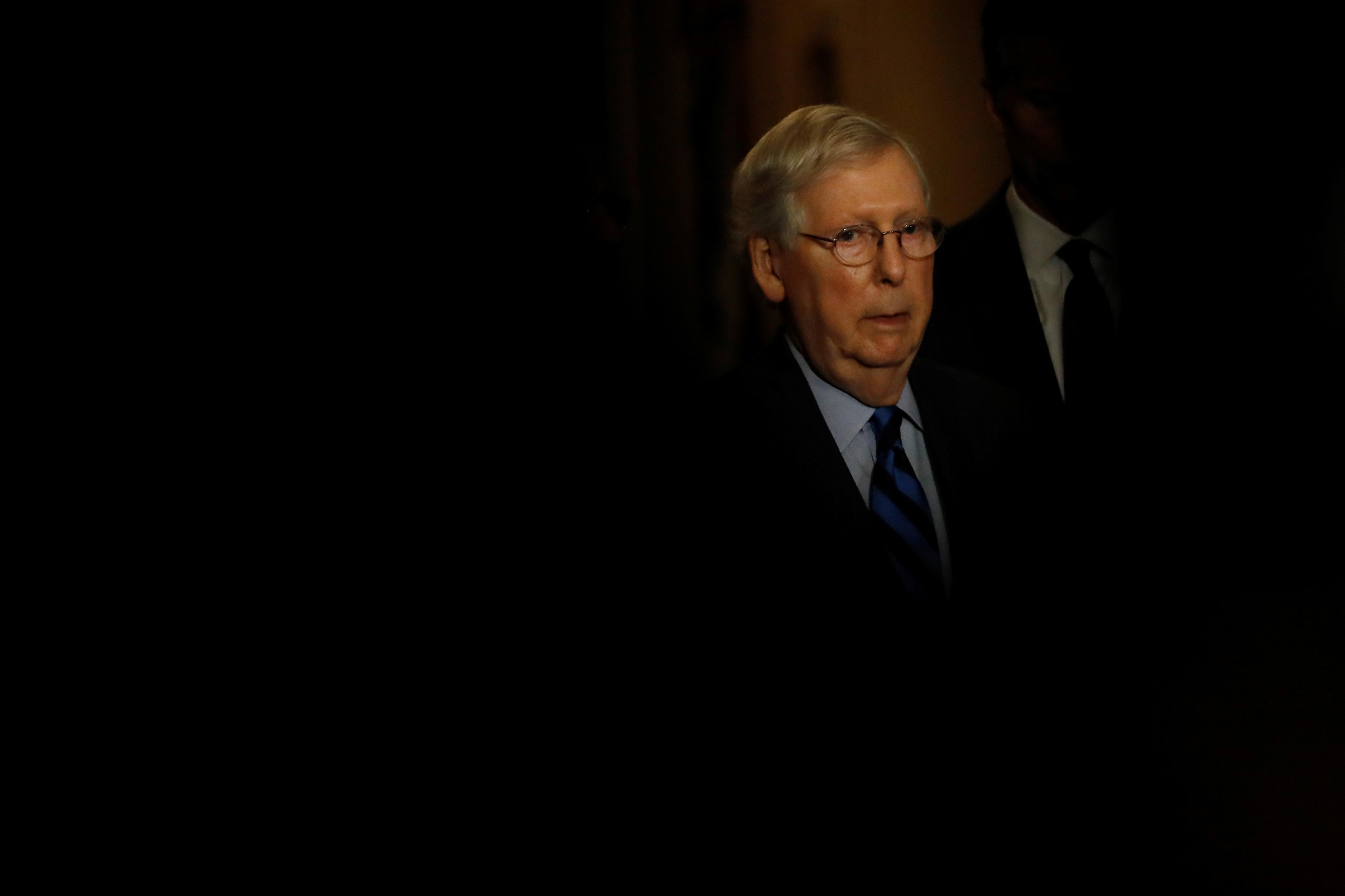 Top U.S. Senate Republican seeks stronger resolution on Syria