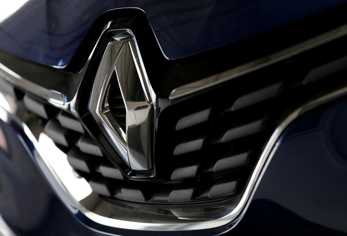Renault warns sales to fall in 2019 as automakers struggle