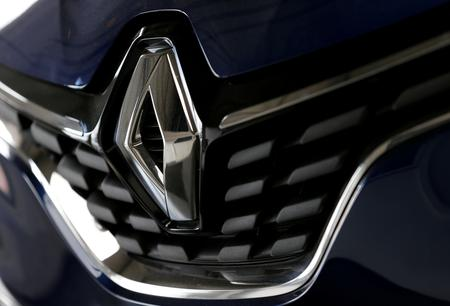Renault shares slump after carmaker issues sales warning