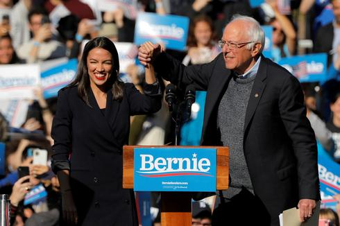 Bernie Sanders draws thousands in comeback rally