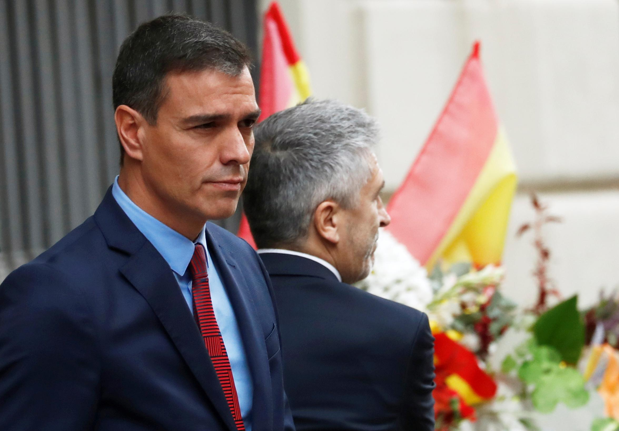 Spanish PM visits Barcelona, criticizes regional chief