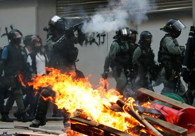 Tear gas and petrol bombs in Hong Kong