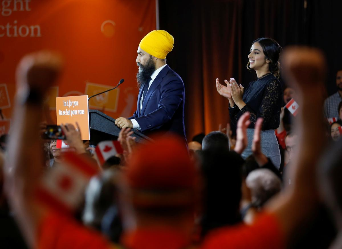 Canada NDP leader says Trudeau must respect realities of minority government
