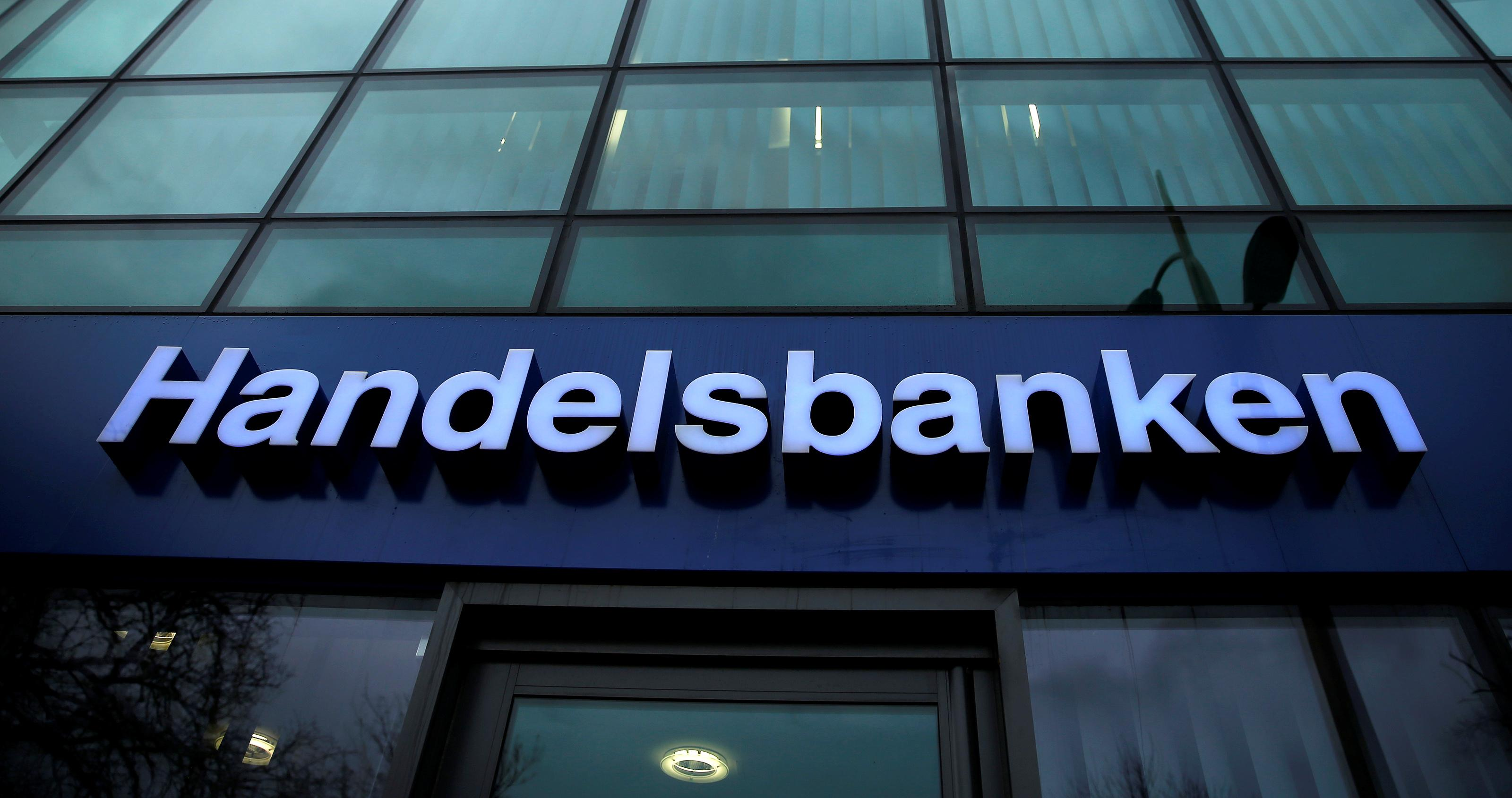 Sweden's Handelsbanken to cut 800 jobs, pull out of Asia and Germany