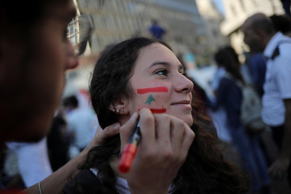 Young, angry Lebanese ditch their differences to target 'unjust' system