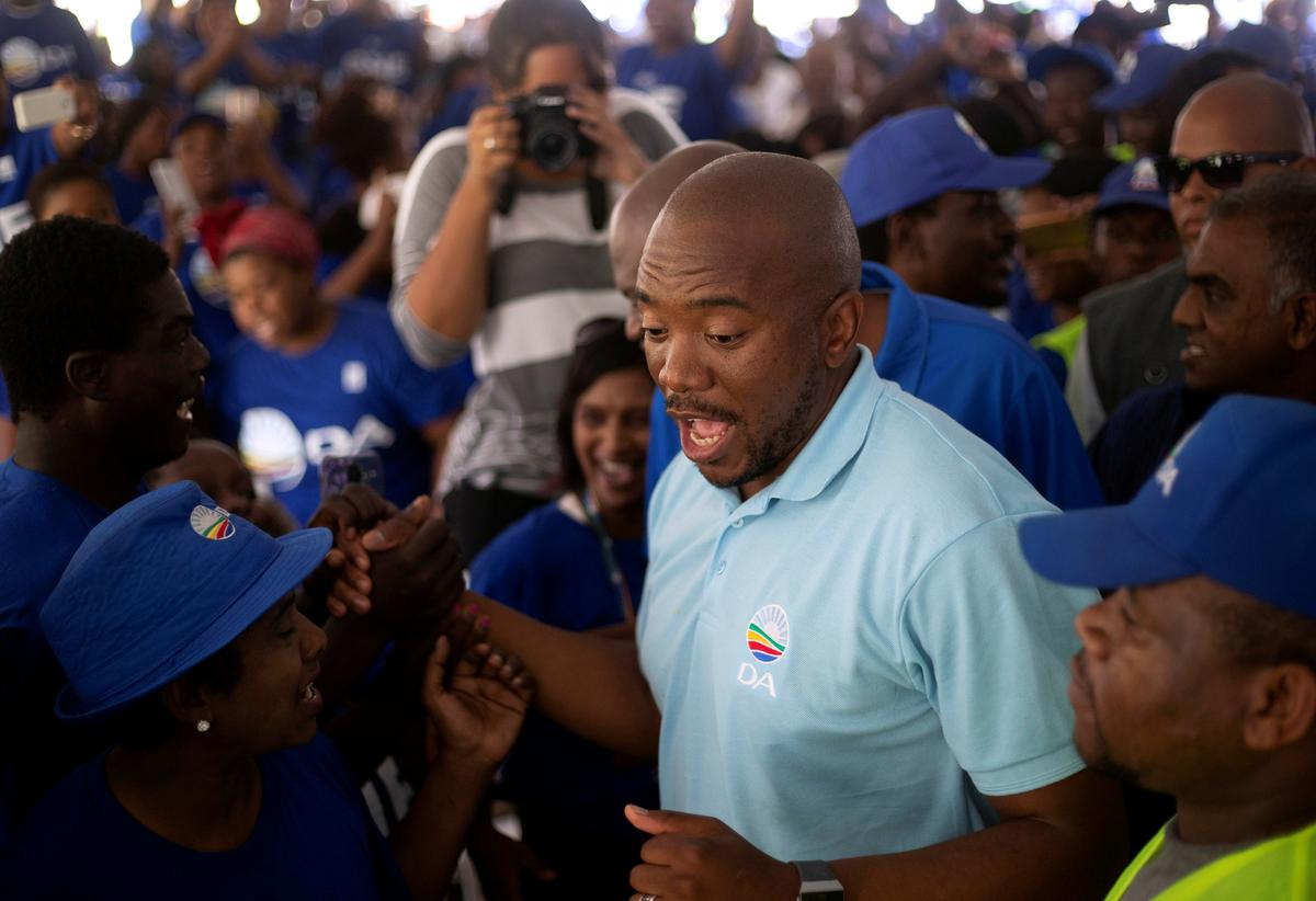 Leader of South Africa's main opposition party resigns