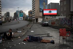 Protests paralyze Lebanon