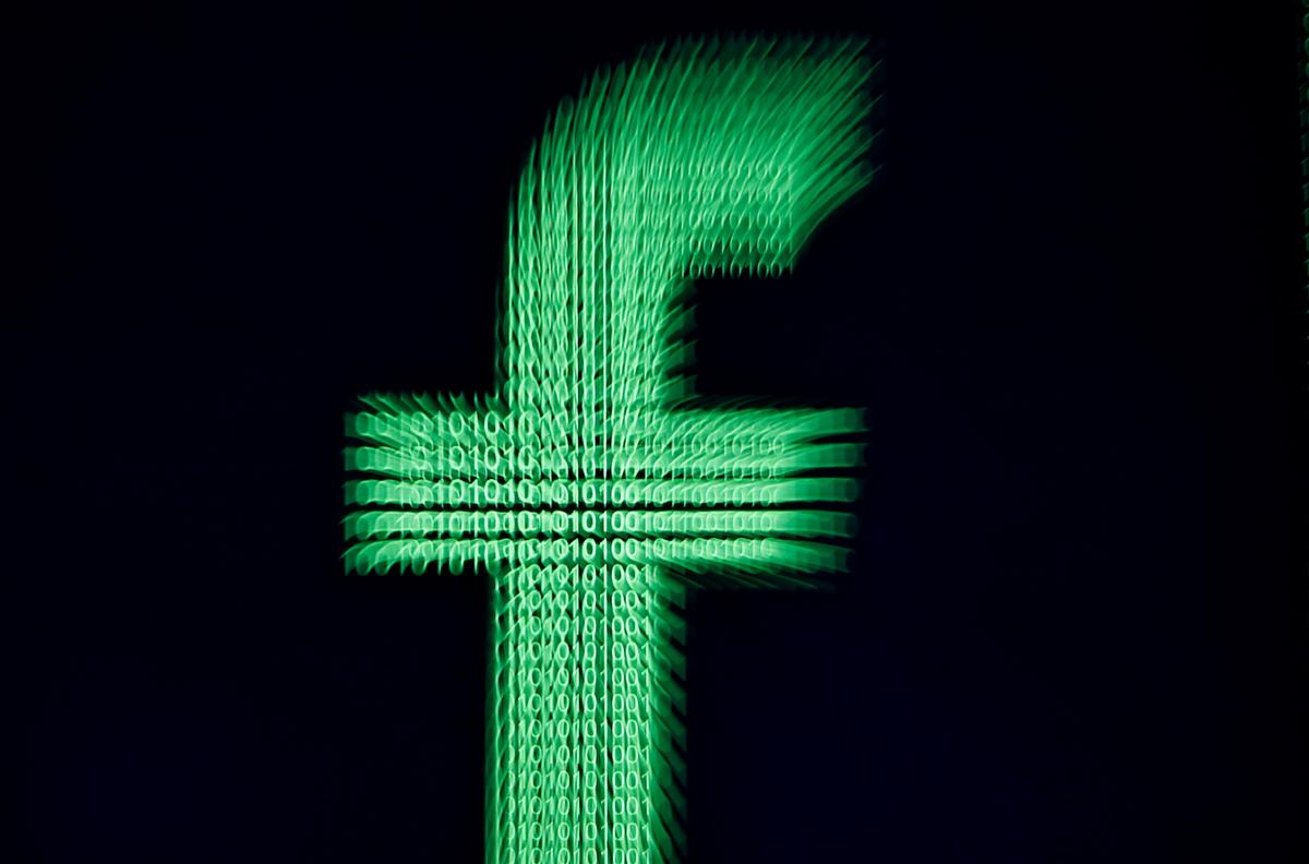 Russian operatives sacrifice followers to stay under cover on Facebook