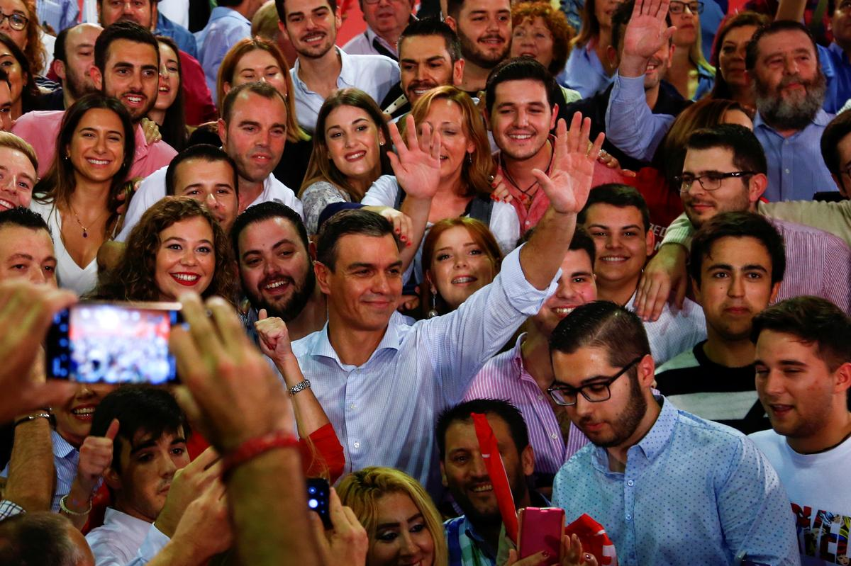 Three polls point to a new stalemate in Spanish Nov. 10 election
