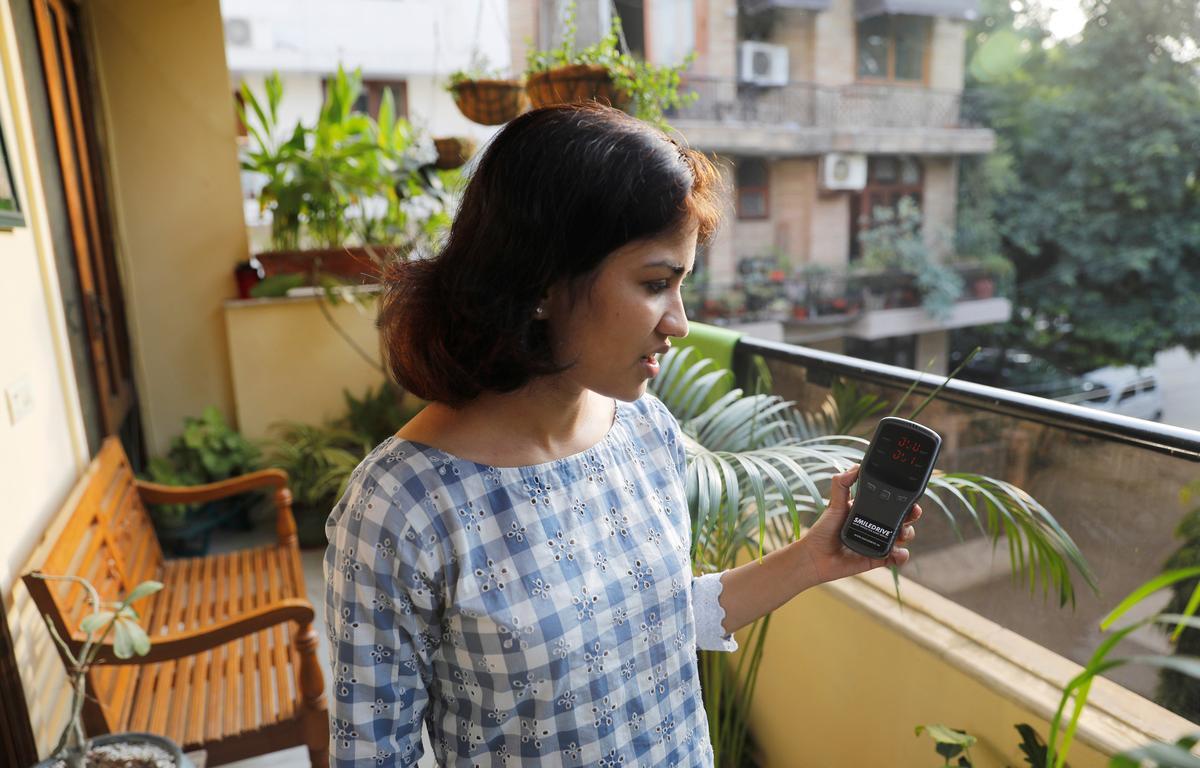 Bị mắc kẹt và bất lực: Làm thế nào các gia đình đang chiến đấu với nỗi kinh hoàng ô nhiễm của Delhi