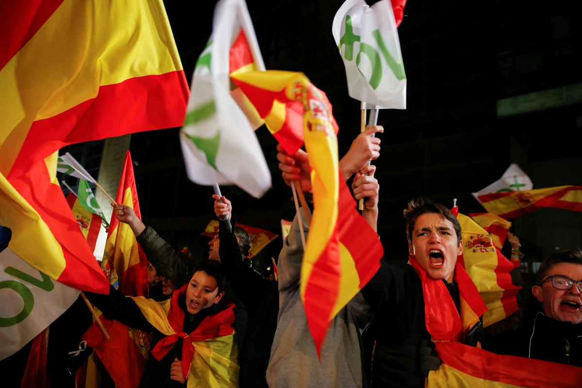 Spain's far right doubles seats in hung parliament, difficult talks ahead