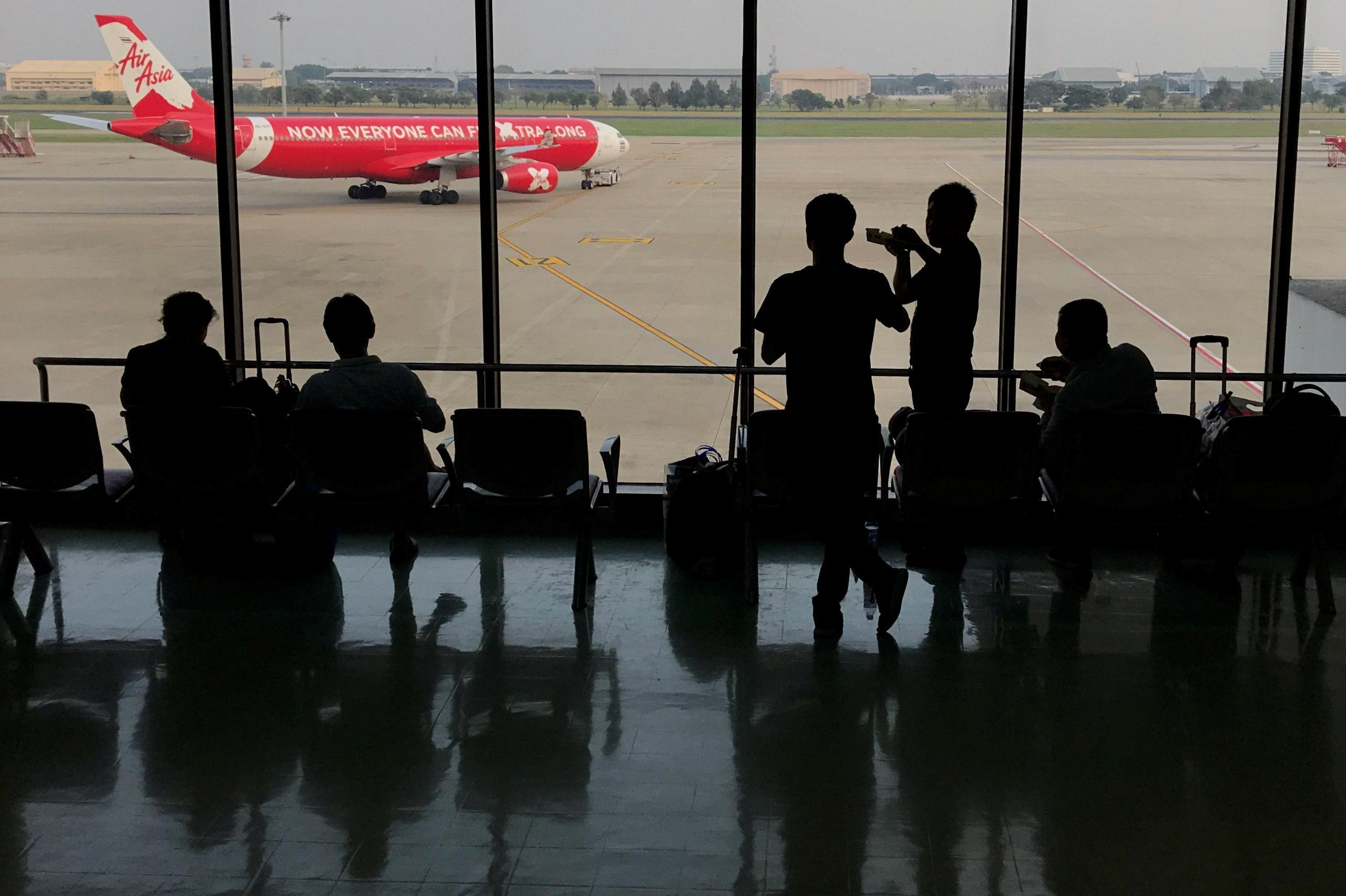 AirAsia transfers some Kuala Lumpur-Singapore slots to long-haul...