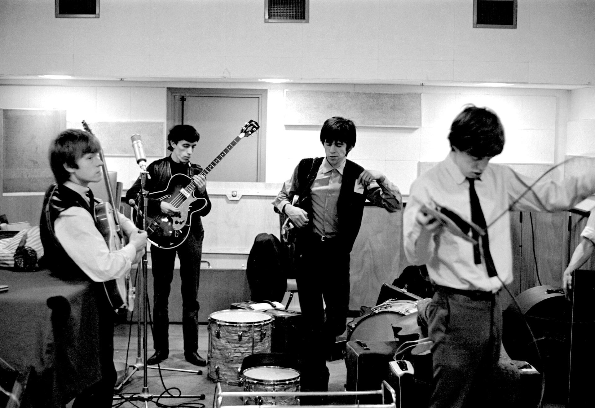 Rare photographs capture Rolling Stones' humble beginnings