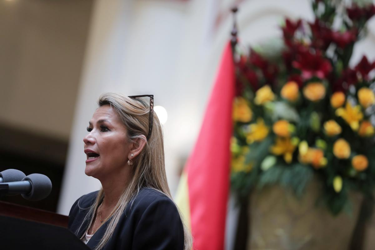 Bolivia's dueling parties converge on new vote to calm political chaos