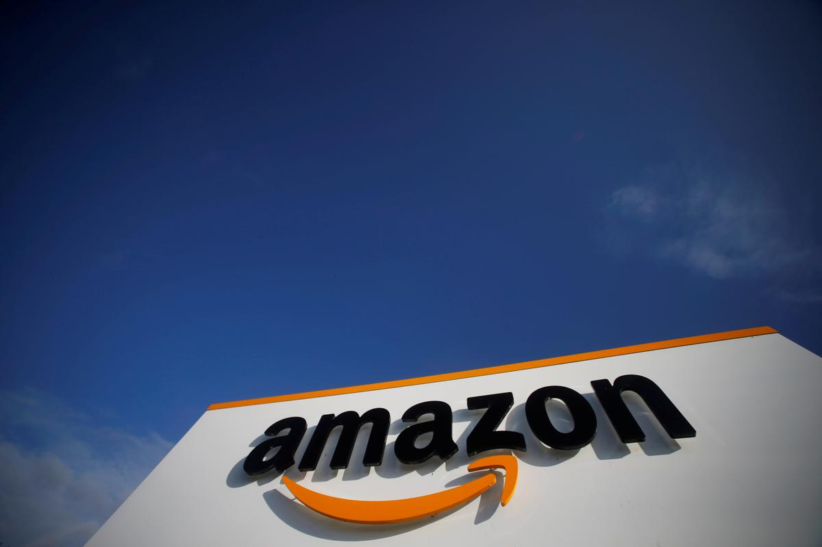 Amazon challenges Pentagon's $10-billion cloud award to Microsoft