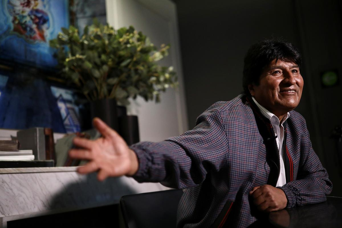 Morales says the U.S. offered him plane to leave Bolivia