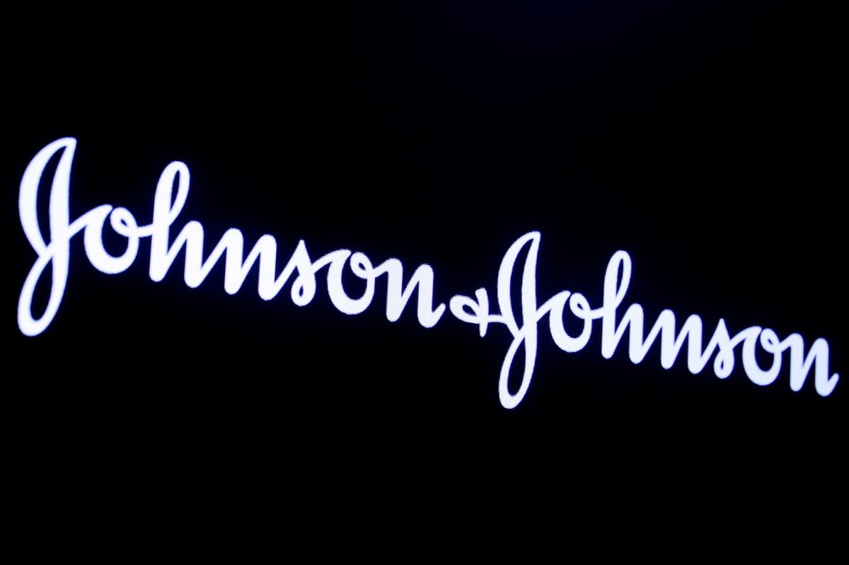 Oklahoma judge reduces Johnson & Johnson opioid payout to $465 million