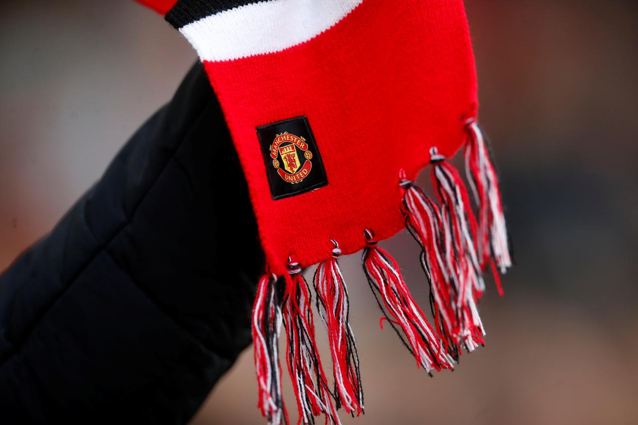 Manchester United Sponsorships March On Despite On Field Slip Ups Reuters