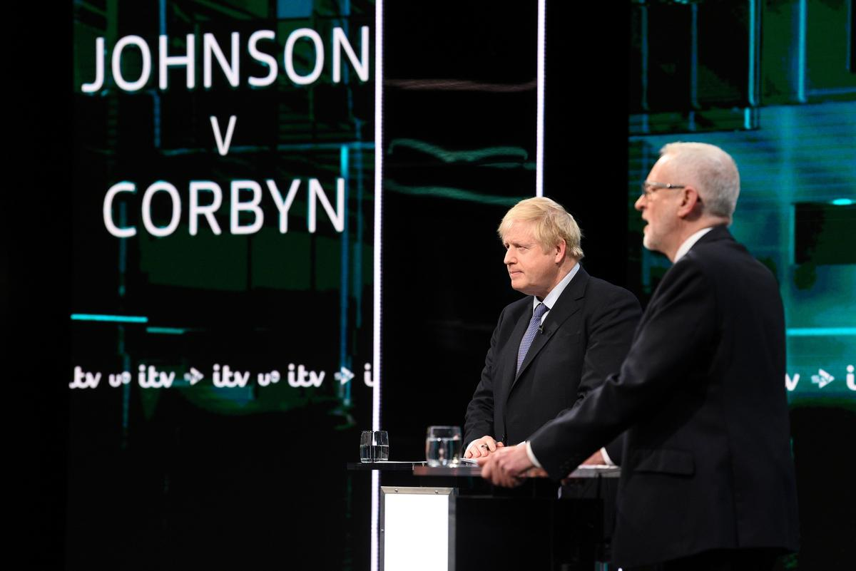 Poll shows 'dead heat' after UK election leaders' debate