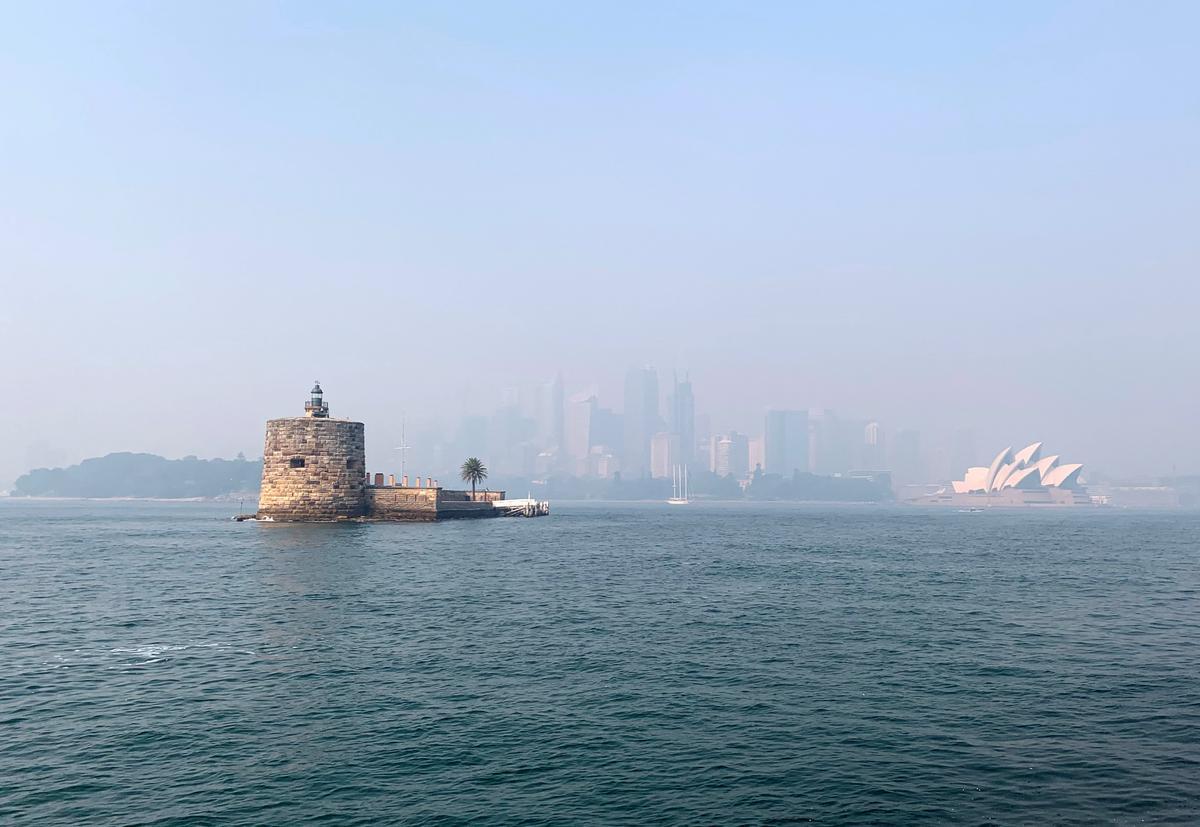 Australia bushfire smoke shoots Sydney into top 10 global pollution...